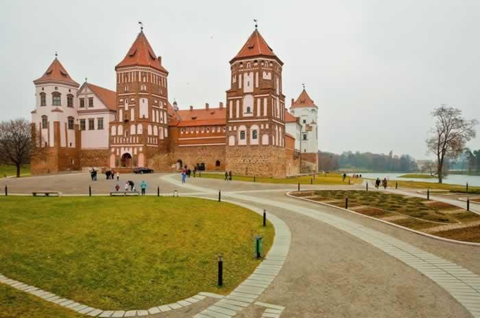 Complexul Castelului Mir
